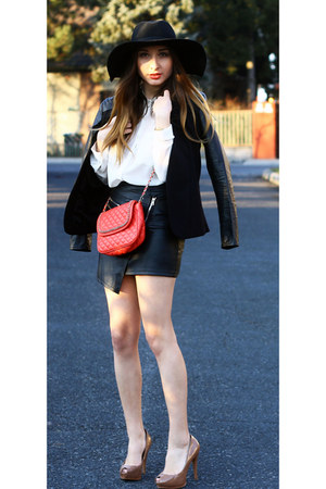 H&M hat - H&M blazer - H&M shirt - Mango bag - Zara heels - Choies skirt
