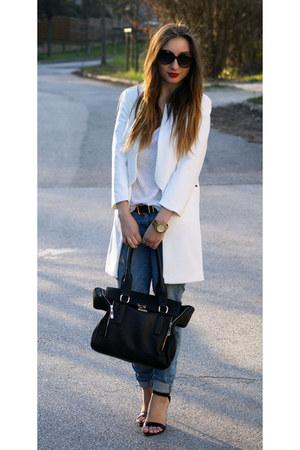 Choies coat - Zara jeans - Mango shirt - H&M belt - Zara heels