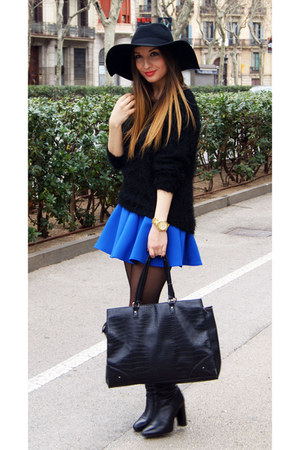 Zara boots - H&M hat - H&M sweater - Choies skirt - Michael Kors watch