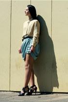 turquoise blue H&M skirt - black vintage heels - camel vintage blouse