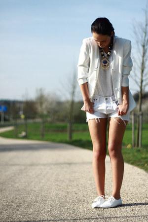 white vintage jacket - white H&M shirt - white vintage shorts - white Sascha fla