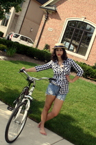 Charlotte Russe shirt - Levis shorts - unknown hat