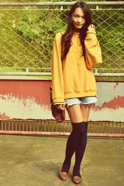 mustard yellow jumper - satchel bag - pearly shorts