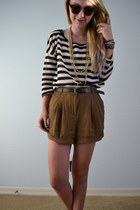 Forever 21 shorts - knit Forever21 sweater - pearls Forever 21 necklace