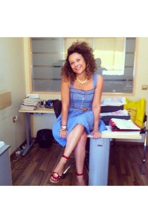 red Nine West shoes - sky blue vintage dress - eggshell vintage accessories