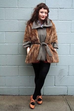 Tai-Kon-Ki coat - vintage coat - blouse - shorts