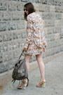 Heather-gray-backpack-maiko-bag-dark-brown-cwonder-sunglasses
