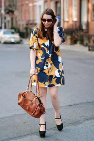 brown leather George Gina & Lucy bag - navy printed ivana helsinki dress
