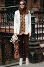 Light-brown-polka-dot-old-navy-sweater-dark-brown-david-kahn-jeans