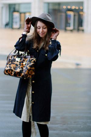 brown brahmin bag - beige banana republic dress