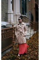 beige trench Gap coat - black aviator mens Tom Ford sunglasses