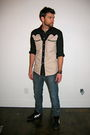 Asics-wrestling-shoes-levis-skinny-jeans-rustler-shirt