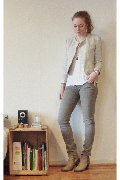 boucle H&amp;M jacket - ankle acne boots - Mango jeans - pieces necklace - H&amp;M top