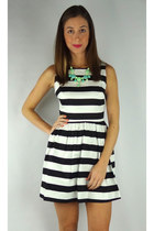 Striped V Back Flared Dress - Black/White