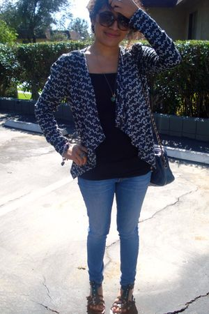 blue Forever21 cardigan - black unknown blouse - blue PacSun jeans - black Gladi
