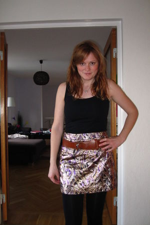 black Primark top - gold H&M skirt - black stockings - brown thrifted at Emmaus