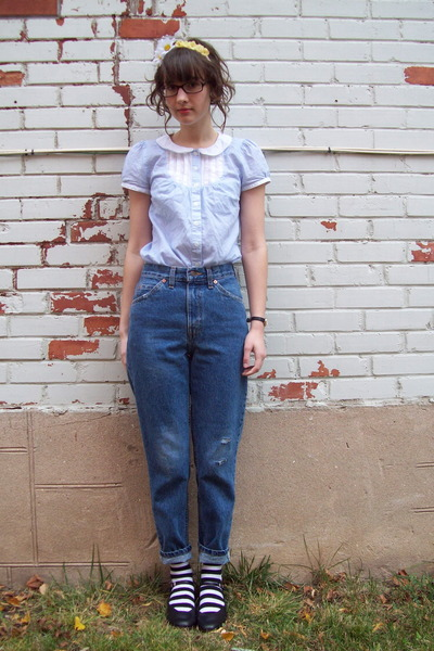 blue Levis jeans - light blue H&M blouse - black thrifted heels