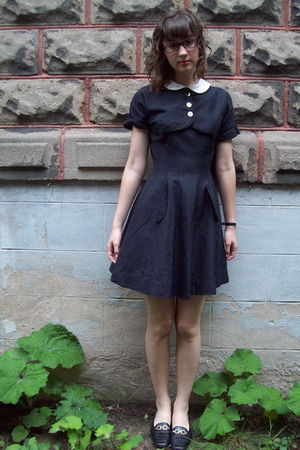 black vintage dress - black Salvatore Ferragamo shoes