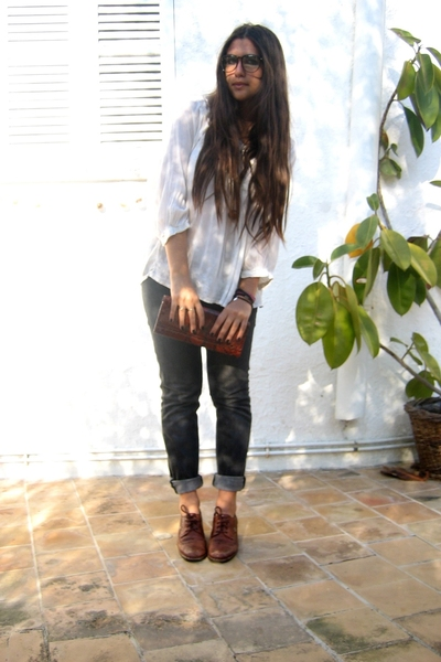 hindu shirt - BSK jeans - thrifted accessories - thrifted shoes - vintage access