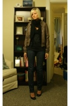 H&M shirt - forever 21 scarf - H&M jacket - Gap jeans - Old Navy shoes