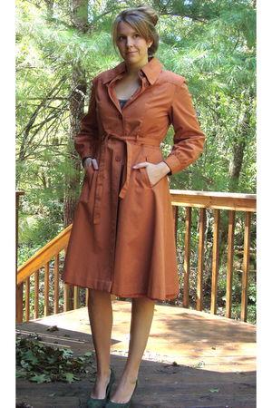 orange vintage trench coat - green ann taylor shoes