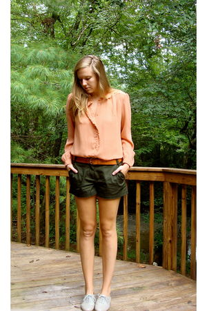 pink vintage 70s blouse - green JCrew shorts - brown H&amp;M belt - gray Steve Madde
