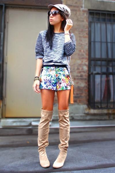 Pour La Victoire bag - UrbanOG boots - H&M sweater - Forever 21 shorts