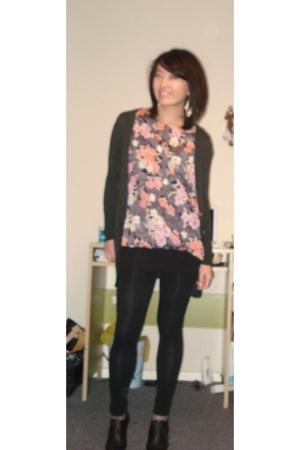 Zara blouse - Zara - Zara leggings - Bijenkorf collection boots - H&M accessorie