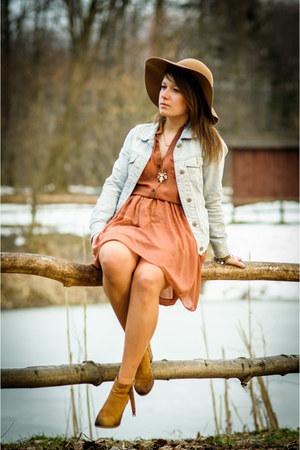 SH dress