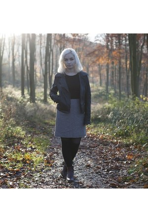 white Goodwill skirt - maroon new look boots - black River Island jacket