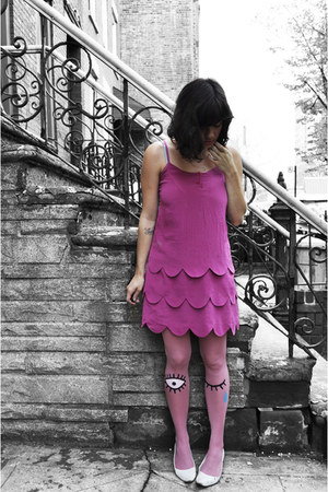 bubble gum AKA New York dress - pink les queues des sardines tights - white Stev