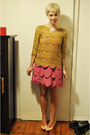 Bubble-gum-aka-dress-pink-thrifted-vintage-heels-mustard-zara-top