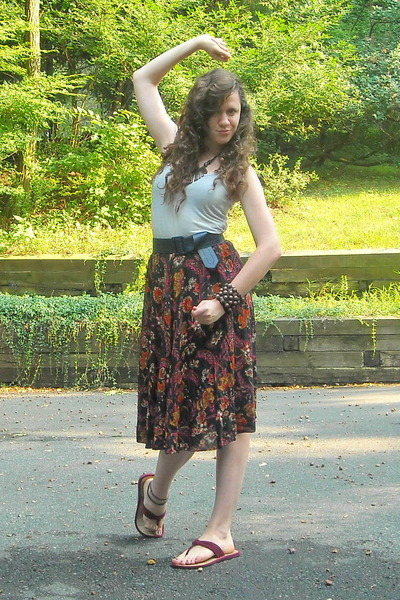 red vintage skirt - gray kohls top