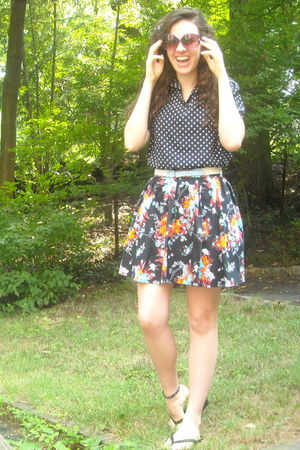 black vintage top - black H&M skirt - white vintage belt - purple Foster Grant s