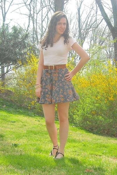 black so shoes - white vintage sweater - beige Gap scarf - gray vintage shorts -