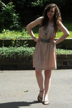 green scarf - beige worn as dress vintage skirt - gold necklace