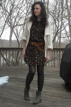 black vintage dress - white Candies sweater - brown vintage belt - green joyce l