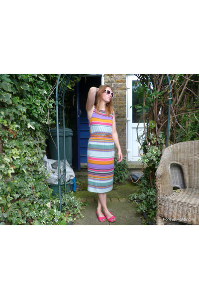 midi length Primark dress - cat eye Accessorize sunglasses