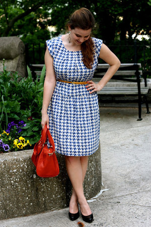 blue madewell dress - red Steve Madden bag - black Nine West heels