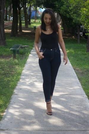 black Zara shoes - navy dark wash Forever 21 jeans - black random sunglasses