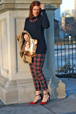 cable knit Zara sweater - H&M bag - brick red Charming Charlie necklace