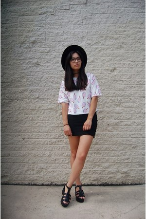white Dressgal top - black Newdress sandals