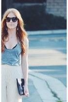 neutral lace Blu Pepper pants - heather gray tank top - black lace bra