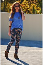 brown ankle boots - navy floral print jeans - blue mens Mossimo t-shirt