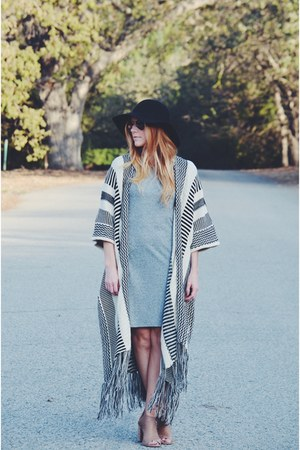 camel Steve Madden boots - heather gray tshirt dress - black floppy hat