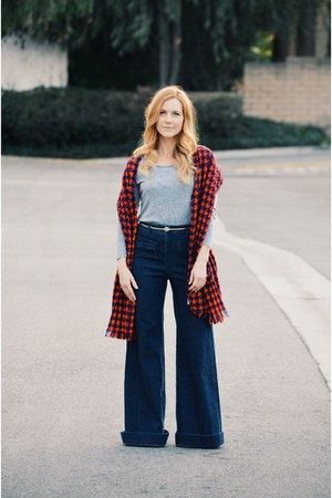 ruby red houndstooth JCrew scarf - navy jeans