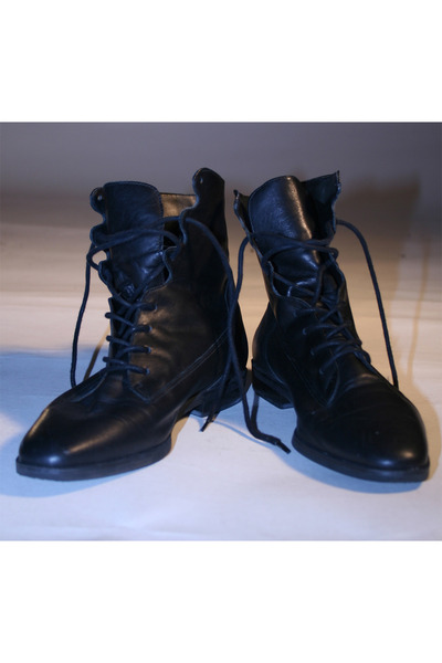 House of Style Vintage boots