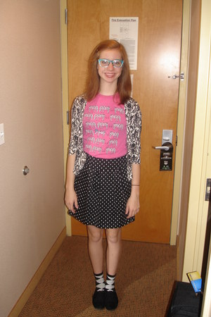 black oxfords shoes - aquamarine glasses - black skirt - bubble gum t-shirt