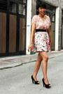 Dress-people-are-people-heels-floral-printed-skirt-owl-forever-21-necklace