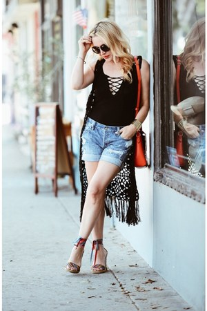 black lace up Zara top - blue denim abercrombie and fitch shorts